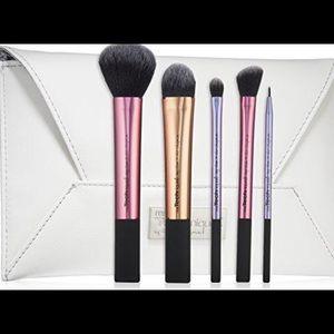 Real Techniques Makeup - Real techniques brush set